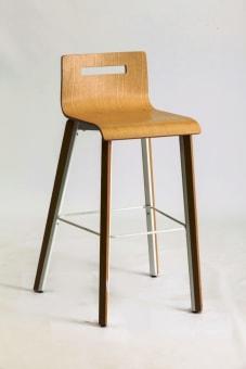 8035 טובי כסא בר מושב אלון טבעי + רגלי ברזל שחורות / אלון טבעי