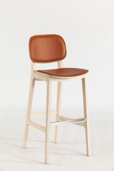 כסא בר דגם קיטי , שלד עץ טבעי ריפוד עור חום בהיר