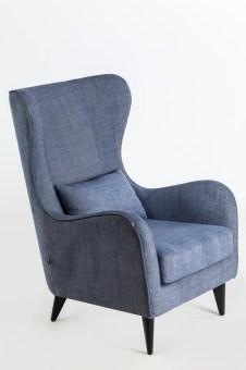 כורסא דגם גרטה  רגלי עץ בצבע שחור  ריפוד בצבעים שונים