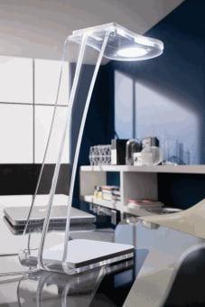 מנורת שולחן ATOLLO היא אחד מהסמלים הכי חזקים של חברת O luce. סמל מובהק לעיצוב איטלקי משובח.  המנורה מוצגת במוזיאוני עיצוב ברחבי העולם. הסוד של המנורה טמון בבנייה הגיאומטרית שלה. חרוט על גליל ומעל הכל כיפה. סוג של פסל מואר המשמש גם כמנורת שולחן יפייפיה. ניתן להשיג בצבעים לבן, זהב או שחור.  הגדרה: כללי  צורה: לא מוגדר  פנים \ חוץ: פנים  סוג התקנה: עמוד  שם מוצר: Atollo  עיצוב:  ,Vico Magistretti