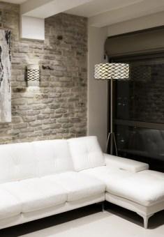 מנורה צמודת תקרה וקיר, עשויה מתכת בצבעים: לבן, נחושת, וכרום מבריק.  הגדרה: כללי  צורה: עיגול  פנים \ חוץ: פנים  סוג התקנה: צמוד  מק''ט ספרה: tkiz00-lu00102  שם מוצר: EIGHT  חברה: LUCENTE  עיצוב:  ,Sandro Santantonio