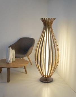 מנורה צמודת תקרה וקיר, עשויה מתכת בשילוב זכוכית. בצבעים: אפור, כרום, וניקל מוברש.  הגדרה: כללי  צורה: ריבוע  פנים \ חוץ: פנים  סוג התקנה: צמוד  מק''ט ספרה: tkiz00-lu00015  מחיר: 15256  שם מוצר: ZERO  חברה: LUCENTE  עיצוב:  ,Roberto Favaretto