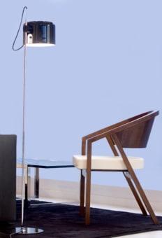 מנורת רצפה חוץ HAND MADE כשמה , כן היא. מנורה המיוצרת בעבודת יד עשויה פיברגלס  צבוע. ניתן להשיג בצבעים לבן או שחור - ציפוי זהב מפנים.  המנורה היא חלק מסדרת מנורות תלויה.  הגדרה: כללי  צורה: לא מוגדר  פנים \ חוץ: חוץ  סוג התקנה: ללא התקנה  שם מוצר: HAND MADE  חברה: LUCENTE  עיצוב:  ,Sandro Santantonio