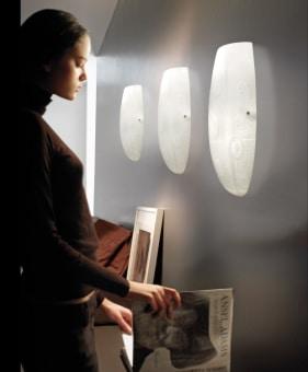 מנורת קיר עם נורת LED חסכונית מעוצבת. הנורה צמודה לקיר ובעלת זרוע גמישה.  מגיע בגודל אחד ובצבע כסוף בלבד.  הגדרה: לד  צורה: לא מוגדר  פנים \ חוץ: פנים  סוג התקנה: צמוד  שם מוצר: OPEN  חברה: LEDS-C4  עיצוב: