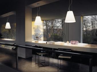 מנורת תקרה תלויה CALICO מיוצרת משילוב חומרים של עץ וזכוכית אופל. קלאסית למראה הנורדי. מגיע ה  בגודל אחד.  הגדרה: כללי  צורה: לא מוגדר  פנים \ חוץ: פנים  סוג התקנה: תלוי  חברה: NORDLUX  עיצוב:  ,Nordlux