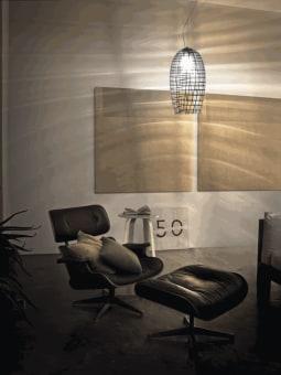"""מנורת תקרה תלויה, עשויה זכוכית, מגיעה בצורות שונות, כמו """"צלחת מעופפת"""", """"קונוס"""" . קיימת בצבע לבן.  הגדרה: כללי  צורה: כיפה  פנים \ חוץ: פנים  סוג התקנה: תלוי  מק''ט ספרה: tit00-vi00050  שם מוצר: WITH WHITE  חברה: VISTOSI  עיצוב:  ,Mauro Olivieri"""
