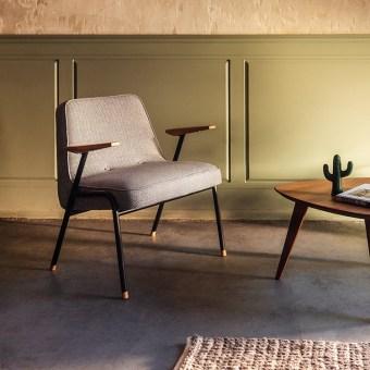כורסא בסגנון רטרו תוצרת אירופה.  גוף הכורסא ממתכת עם מסעדים מעץ אלון.  ניתן לבחור את גוון העץ ואת ריפוד הכורסא מתוך מגוון רחב של ריפודים.