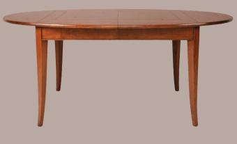 שולחן אוכל אובלי מעץ דובדבן מלא של חברת MICHEL FERRAND הצרפתית. השולחן בנוי כולו מעץ מלא, בשיטת נגרות של פעם וברמת גימור גבוהה מאוד. ההגדלה מאוחסנת בתוך השולחן , מנגנון פתיחה פשוט מאוד המאפשר את הפתיחה ב-2 ידיים, ללא צורך בעזרה נוספת. ניתן להזמין את השולחן במידות ובגוונים אחרים. למידע על מידות וגוונים ניתן ליצור קשר עם החנות. השולחן מיוצר בצרפת לפי הזמנה-