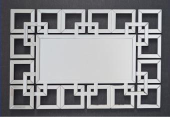 מראה מלבנית בסגנון ורסאי המודבקת על עץ בחיתוך CNC .   מידות: 105X72   + ניתן לתלות לאורך ולרוחב
