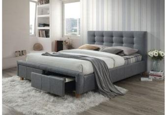 """מיטה    בעיצוב מודרני , כולל ריפוד בד איכותי המתנקה בקלות , 2 מגירות המובנות בבסיס    המיטה . המיטה    מגיעה בצבע אפור כמו בתמונה . מידות     : אורך:219    ס""""מ רוחב:    175 ס""""מ גובה    ראש מיטה : 101 ס""""מ   מתאים    למזרן בגודל 160 200X"""