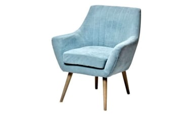 כורסא קלאסית בצבע תכלת לעיצוב הסלון    כורסא קלאסית בצבע תכלת המיוצרת מבסיס של עץ מלא ובד סינטטי איכותי ומעוצבת בסגנון כפרי מקורי ומתאימה כתוספת עיצובית בניצב לספה בסלון וכנקודה צבעונית חיה בחלל המגורים בבית. להשיג בכמה גוונים, מומלץ לוודא שנמצאת בחנות בטרה ההגעה, כמובן עם משלוח לכל הארץ.
