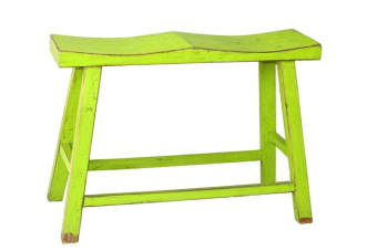 כסא בר מעוצב בגוון מקסים    כסא בר לזוג בצבע ירוק בוהק מעץ מלא. הכסאות בר מיוצרים מעץ מלא ואיכותי (רהיט one piece ללא הברגות או הרכבות) בסגנון כפרי מקורי הכולל מבנה קלאסי עם חיזוקים ברגליים ומשטח ישיבה קעור לזוג וצביעה בגוון ירוק דשא עם אפקט מיוחד למראה עיצובי כפרי. ספסל בר זוגי מקסים לעיצוב הדלפק במטבח או הבר בבית, עכשיו באולם תצוגה גם בגוונים נוספים.