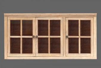 """יחידת אחסון למטבח עם דלתות זכוכית    יחידת אחסון למטבח מעץ מלא בסגנון כפרי מקורי. הארונית לתלייה על קיר, בעלת נפח אחסון גדול ועיצוב כפרי מקסים. מכילה מדף בגובה 25 ס""""מ ושלוש דלתות זכוכית מעוצבות. תוספת עיצובית ומקסימה בעלת שטח אחסנה לא מבוטל ומראה חם וקלאסי. ניתן לאחסן ספלים, בקבוקים וכלי הגשה,"""