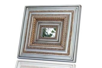 מראה עם מסגרת ענקית לעיצוב הבית    מראה מסגרת כסף וזהב לתלייה. המראה בעלת מסגרת גדולה במיוחד, המיוצרת מיציקת פולירזין ומתאימה כתמונה אומנותית מעוצבת לקיר בבית או במשרד. תוספת עיצובית מיוחדת לחלל המגורים, עם משלוח לכל הארץ.