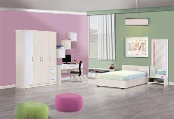 חדר ילדים בעל מיטה ברוחב 120 מעוצבת, כוורת מדורגת , שולחן כתיבה עם 3 מגירות, שידת לילה וכוננית לילה עם פתח ומגירות, ארון מעוצב בעל שילובי צבעים מודרניים, על סוקל.