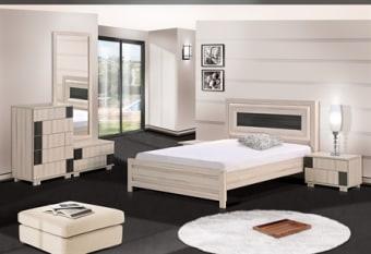 מיטה זוגית מעוצבת עם פרופילים מעוגלים בראש המיטה, קומפלט בסגנון יפני מיוחד במינו הלא דורש ידיות. החדר מגיע בשילוב צבעים לפי בקשת הלקוח