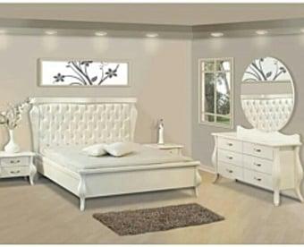 חדר שינה יוקרתי במראה אירופאי.   חדר השינה מראה יחודיות ויוקרה בחדר השינה.   חדר השינה עשוי מחומר   MDF   מחוזק ובעל תקן מחמיר בציפוי אפוקסי העמיד לשנים.   משטח המיטה עשוי מעץ מלא.   מידות המיטה היא למזרון 190X140.   ניתן לשנות את גודל המיטה ל 190X160בתוספת של 10% מהמחיר   (נא לציין בהערות שבהמשך הקניה)   המיטה כוללת 2 שידות וקומודה בציפוי אפוקסי .   * מעל קומה 3 בהעמסה ידנית תהיה תוספת של 35 ₪ לקומה.   בכל מקרה של צורך בשרותי מנוף חיצוניים החיוב יחול על הלקוח.   הובלות מחיפה צפונה, מבאר שבע דרומה ומעבר לקו הירוק ייתכן עיכוב באספקה של 14 יום וכמו כן קיימת תוספת מחיר של 149 ₪ להובלה.   *התמונה להמחשה בלבד
