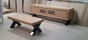 """מזנון ושולחן מעץ אלון מבוקע בשילוב רגליים אפוקסי דגם תום   מערכת כוללת של מזנון ושולחן העשויים מעץ אלון מבוקע   בעיצוב מרהיב יוקרתי ובעל נוכחות .   הרגליים רגליי אפוקסי מעוצבות ויוקרתיות.   מערכת סלונית מדהימה מעוצבת עד הפרטים הקטנים ביותר בגימור אלון מבוקע .   מוצר ברמות גימור ועשייה גבוהים במראה נקי ויוקרתי.   מידות:   מידות המזנון:   גובה: 60 ס""""מ   רוחב 200 ס""""מ   עומק:50 ס""""מ   מידות שולחן:   60*120 ס""""מ   גובה 40 ס""""מ   *תיתכן סטייה של עד 5 % במידות הקיימות במפרט.   *התמונה להמחשה בלבד   * מעל קומה 3 בהעמסה ידנית תהיה תוספת של 40 ₪ לקומה.   בכל מקרה של צורך בשרותי מנוף חיצוניים החיוב יחול על הלקוח.   הובלות מחיפה צפונה, מבאר שבע דרומה ומעבר לקו הירוק ייתכן עיכוב באספקה של 14 יום וכמו כן קיימת תוספת מחיר של 150 ₪ להובלה."""