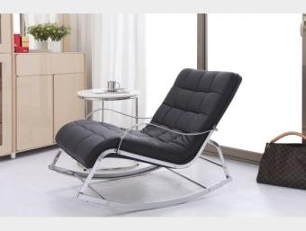 """A04 שחור  כיסא נדנדה מעוצב נוח ומפנק במיוחד העשוי מדמוי עור איכותי מסוג PU המשדרג את מראה החלל בו הוא ממוקם. שילדת הכיסא עשויה מתכת המצופה בספוג המעניק לכורסא רכות ונוחות ומרופדת בדמוי עור איכותי מסוג PU. בסיס בכיסא עשוי מתכת  מידות:     אורך- 110 ס""""מ     רוחב- 70 ס""""מ     גובה- 83 ס""""מ"""