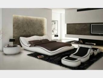 """A618  מיטת קורל הינה מיטה זוגית ייחודית ומרהיבה ביופיה.  למיטה מראה מודרני עשיר ויוקרתי.  ראש המיטה הינו משופע ומאפשר שינה נוחה וצפייה מול הטלוויזיה.  בצידי המיטה דופנות רחבות בצורה גלית המכניסות לחדר השינה תחושת זרימה ומראה ייחודי.  *ניתן לרכוש את ההדום בתוספת 2299 ש""""ח   ניתן לרכוש בכל צבע ובמבחר מידות לבחירתכם.   מידות:  מידת מיטה תואמת למזרן 1.4*1.9:  אורך- 245 ס""""מ  רוחב- 193 ס""""מ  גובה- 82 ס""""מ  מידת מיטה תואמת למזרן 1.6*1.9:  אורך- 245 ס""""מ  רוחב- 213 ס""""מ  גובה- 82 ס""""מ  מידת מיטה תואמת למזרן 1.8*2.0:  אורך- 255 ס""""מ  רוחב- 233 ס""""מ  גובה- 82 ס""""מ  מפרט טכני:  שלדת המיטה עשויה עץ גושני  ציפוי המיטה עשוי ספוג איכותי המעניק למיטה תחושת רכות  ריפוד המיטה עשוי מדמוי עור איכותי מסוג PU בשילוב עור  בסיס המיטה עשוי מברזל ולוחות סנדוויץ'   *כחלק משקיפות ואמינות החברה, אין חברתנו דורשת כל תוספת תשלום בעבור שינוי גודל המיטה לכל אחת מהמידות הבאות: 140*190 , 140*200, 160*190, 160*200 , 180*200   *המחיר המוצג לעיל הינו עבור המתואר בפירוט ואינו כולל מוצרים נלווים (כגון: שידות, מזרנים, הדומים וכו').   הוראות טיפול ברהיטי עור ודמוי עור:     1.יש להרחיק את המוצר ממקורות חום ישירים,כגון: שמש ,תנורים, וגופי חימום.     2.יש להימנע ממגע ממושך של המוצר עם מים ו/או כל נוזל אחר     3.בעת ניקוי המוצר יש להשתמש במטלית לחה ורכה ומיד לייבש במטלית יבשה.     4.לניקוי יסודי יש להשתמש בתכשירי ניקוי המיועדים לעור אשר אינם מכילים אלכוהול"""
