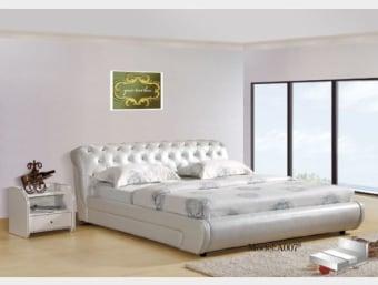 """A007  מיטה אווה הינה מיטה זוגית בעלת מראה קלאסי עדין המשולב קאפיטונאז' בראש המיטה הנותן למיטה מראה עשיר ויוקרתי.   ניתן לרכוש בכל צבע ובמבחר מידות לבחירתכם.  מידת מיטה תואמת למזרן 1.4*1.9:  אורך- 228 ס""""מ  רוחב- 173 ס""""מ  גובה- 94 ס""""מ  מידת מיטה תואמת למזרן 1.6*1.9:  אורך- 228 ס""""מ  רוחב- 193 ס""""מ  גובה- 94 ס""""מ  מידת מיטה תואמת למזרן 1.8*2.0:  אורך- 238 ס""""מ  רוחב- 213 ס""""מ  גובה- 94 ס""""מ  מפרט טכני:  שלדת המיטה עשויה עץ גושני  ציפוי המיטה עשוי ספוג איכותי המעניק למיטה תחושת רכות  ריפוד המיטה עשוי מדמוי עור איכותי מסוג PU בשילוב עור  בסיס המיטה עשוי מברזל ולוחות סנדוויץ'   *כחלק משקיפות ואמינות החברה, אין חברתנו דורשת כל תוספת תשלום בעבור שינוי גודל המיטה לכל אחת מהמידות הבאות: 140*190 , 140*200, 160*190, 160*200 , 180*200   *המחיר המוצג לעיל הינו עבור המתואר בפירוט ואינו כולל מוצרים נלווים (כגון: שידות, מזרנים, הדומים וכו').   הוראות טיפול ברהיטי עור ודמוי עור:     1.יש להרחיק את המוצר ממקורות חום ישירים,כגון: שמש ,תנורים, וגופי חימום.     2.יש להימנע ממגע ממושך של המוצר עם מים ו/או כל נוזל אחר     3.בעת ניקוי המוצר יש להשתמש במטלית לחה ורכה ומיד לייבש במטלית יבשה.     4.לניקוי יסודי יש להשתמש בתכשירי ניקוי המיועדים לעור אשר אינם מכילים אלכוהול"""