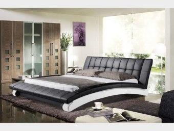 """A060  מיטה מרופדת מדמוי עור איכותי מסוג PU ומעוצבת בצורת קשת המעניקה  למיטה מראה מודרני, ייחודי ונקי המכניס לחדר השינה תחושת יופי ונוחות.  ניתן לרכוש מיטה זו במבחר צבעים ומידות לבחירתכם  מידת מיטה תואמת למזרן 1.4*1.9:  אורך- 247 ס""""מ  רוחב- 177 ס""""מ  גובה- 95 ס""""מ  מידת מיטה תואמת למזרן 1.6*1.9:  אורך- 247 ס""""מ  רוחב- 197 ס""""מ  גובה- 95 ס""""מ  מידת מיטה תואמת למזרן 1.8*2.0:  אורך- 257 ס""""מ  רוחב- 217 ס""""מ  גובה- 95 ס""""מ  מפרט טכני:  שלדת המיטה עשויה עץ גושני  ציפוי המיטה עשוי ספוג איכותי המעניק למיטה תחושת רכות  ריפוד המיטה עשוי מדמוי עור איכותי מסוג PU בשילוב עור  בסיס המיטה עשוי מברזל ולוחות סנדוויץ'  *כחלק משקיפות ואמינות החברה, אין חברתנו דורשת כל תוספת תשלום בעבור שינוי גודל המיטה לכל אחת מהמידות הבאות: 140*190 , 140*200, 160*190, 160*200 , 180*200  *המחיר המוצג לעיל הינו עבור המתואר בפירוט ואינו כולל מוצרים נלווים (כגון: שידות, מזרנים, הדומים ומזרנים).  הוראות טיפול ברהיטי עור ודמוי עור:     1.יש להרחיק את המוצר ממקורות חום ישירים,כגון: שמש ,תנורים, וגופי חימום.     2.יש להימנע ממגע ממושך של המוצר עם מים ו/או כל נוזל אחר     3.בעת ניקוי המוצר יש להשתמש במטלית לחה ורכה ומיד לייבש במטלית יבשה.     4.לניקוי יסודי יש להשתמש בתכשירי ניקוי המיועדים לעור אשר אינם מכילים אלכוהול"""