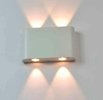 גוף תאורה LED מעוצב צמוד קיר UP & DOWN להארה דקורטיבית.  מקור אור: POWER LED 4*1W 230V.  גוון אור: לבן חם 3000K.  אלומה: 40 מעלות לשני כיוונים.  גוף: אלומיניום.  ציוד: דרייבר 4W 350MA 230V.  התקנה: צמוד קיר.  גימור: אלומיניום.  לבן מט