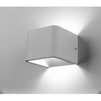 """מק""""ט :-1220501003  דגם:-WL-M-1036-1 מצדה קצר  הספק:-6W  עוצמת אור :-450LM  גודל :- 100X100X100mm  גוף תאורה אדריכלי בעל נורת לד מובנת. עשוי מתכת בשילוב אלומיניום וצבוע בגוון מחוספס.  אפשרויות זמינות:  לבן חם 3000K  1220334700627  - חסר במלאי!"""