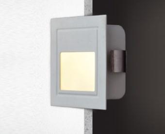 2117L2  שקוע קיר לשימוש תאורת פנים. מקור אור 2W לד. מיוצר מאלומיניום + זכוכית. זמין בצבע אפור.  מפרט טכני  מקור אור:  2W לד  לומין:  100Lm  צבע אור:  3000K  מתח זינה:  230V  דרגות הגנה:  20  קבוצת בידוד:  1  חומר:  אלומיניום + זכוכית  זמין בצבע:  אפור  אחריות:  1 שנים