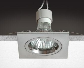 H104  שקוע תקרה לשימוש תאורת פנים. מקור אור 1X50W PAR16 GU10. מיוצר מאלומיניום. זמין בצבע לבן, ניקל מט.  מפרט טכני  מקור אור:  1X50W PAR16 GU10  מתח זינה:  230V  דרגות הגנה:  20  קבוצת בידוד:  2  חומר:  אלומיניום  זמין בצבע:  לבן, ניקל מט  אחריות:  1 שנים