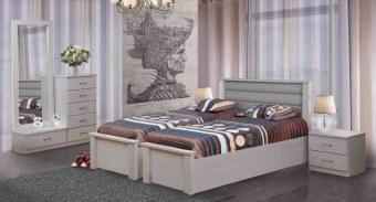 """חדר שינה עם הפרדה למגזר הדתי דגם BH 7 חדר שינה קומפלט בעיצוב שמרני הכולל: מיטה זוגית עם הפרדה יהודית בתוספת ארגזי מצעים + 2 שידות לילה + טואלט + מראה. ארגזי המצעים מרווחים עשויים סנדוויץ' להבטחת חוזק ועמידות, ארגזי המצעים מתרוממים באמצעות בוכנות הידרואליות איכותיות, משטח השינה עשוי עץ מלא וחזק במיוחד. חדר השינה בעל גימורים מעולים ופרזול איכותי במיוחד, חזק ועמיד לשנים רבות. החומרים הינם בעלי תו תקן ישראלי. חדר השינה מגיע במגוון צבעים להתאמה אישית. חדר שינה הכולל: מיטה עם הפרדה + ארגזי מצעים + 2 שידות לילה + טואלט + מראה בעיצוב מיוחד, ללא מזרנים. מידות בס""""מ: מיטה - רוחב: 170, אורך: 200. קומודה - רוחב: 120, גובה: 80, עומק: 40. שידה - רוחב: 50, גובה: 40, עומק: 40. מראה - רוחב: 70, גובה: 150. המחיר אינו כולל מזרנים, המידה למזרנים 190\80 (ניתן לקבל במידות שונות). צבעים: שמנת, מולבן, אגוז, אגס חום, שיטה, קוניאק, לבן או ונגה. 12 חודשי אחריות! המחיר נכון ל – 12 תשלומים ללא ריבית בכרטיס אשראי."""