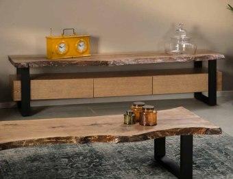 """סט מזנון דגם מיטל הכולל מזנון + שולחן סלון מערכת סלון כוללת מזנון ושולחן העשויים מעץ גזום מלא בשילוב רגליים מברזל, סט איכותי בעיצוב מודרני, מעץ אלון מבוקע בלתי גזום הנשמר לשנים רבות. בשילוב פרזול מברזל בצבע שחור לעיצוב מושלם. משטח המזנון חזק במיוחד ומסוגל לשאת משקל טלוויזיה המזנון מוגבה מהרצפה באמצעות רגלים מעוצבות, העמידות לאורך שנים, לניקוי קל ויעיל בבית. מדף רחב לממיר. המזנון מחולק לשלוש מגירות הנפתחות לאיחסון. מידות בס""""מ: מזנון: אורך: 220, גובה: 55, עומק: 53. שולחן: אורך: 180, רוחב: 64, גובה: 39. ניתן לשלם ב – 12 תשלומים ללא ריבית. המחיר הינו למזנון ושולחן בלבד."""
