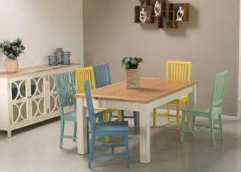"""פינת אוכל מעץ + 6 כסאות דגם שחר צבעוני שולחן אוכל + 6 כסאות צבעוניים, בעיצוב מודרני ומרהיב, פינת האוכל בנוייה מהחומרים הטובים ביותר ועמידה לשנים. רגליים ומסגרת בגוון שמנת בשילוב פלטה עליונה פורניר אלון. לשולחן שתי הגדלות באורך 50 ס""""מ כל אחת, כך שהשולחן נפתח לאורך 270 ס""""מ. פינת האוכל כוללת 6 כסאות אוכל בעיצוב תואם, בקווים נקיים ומודרניים. גוון כסא לבחירה: צהוב, תכלת, כחול, ירוק, שמנת. מידות השולחן: אורך: 170 ס""""מ, רוחב: 100 ס""""מ . לשולחן הגדלות נוספות של 2X50 ס""""מ. גודל שולחן פתוח: 270/100. המחיר הינו לשולחן + 6 כסאות בלבד . המחיר נכון ל-12 תשלומים ללא ריבית בכרטיס אשראי."""