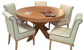 """פינת אוכל עגולה + 6 כסאות דגם חץ בעיצוב מודרני שולחן אוכל עגול מפורניר אלון + 6 כסאות מרופדים, בעיצוב מודרני ומרהיב, פינת האוכל בנויה מהחומרים הטובים ביותר ועמידה לשנים. השולחן נפתח במרכזו, ההגדלה מאוכסנת בתוך השולחן. פינת האוכל כוללת 6 כסאות אוכל בעיצוב תואם, בקווים נקיים ומודרניים. ריפוד הכסאות עשוי דמוי עור, המצטיין בניקוי קל ומהיר. מידות השולחן: קוטר: 140 ס""""מ. גובה: 78 ס""""מ. השולחן נפתח למידה 240 ס""""מ במצב פתוח. המחיר הינו לשולחן + 6 כסאות בשילוב ריפוד עור תעשייתי . המחיר נכון ל- 12 תשלומים ללא ריבית בכרטיס אשראי."""
