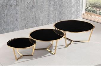 """סט שולחן סלון זכוכית משולב 3 חלקים דגם A 960 שחור סט שולחן סלון משולב 3 חלקים, 3 שולחנות איכותיים ויפייפים עם רגל טיטניום גולד ופלטות זכוכית מחוסמת בגוון שחור. עיצוב יוקרתי בקווים עגולים ורכים, להשלמת מראה מעוצב ויוקרתי של הסלון. מידות בס""""מ: שולחן גדול: קוטר 100 גובה 44. שולחן בינוני: קוטר 80 גובה 38. שולחן קטן: קוטר 60 גובה 32. צבע זכוכית: שחור. ניתן לרכוש גם בבודד. ניתן לשלם ב-12 תשלומים שווים ללא ריבית והצמדה. דמי ההובלה ישולמו למוביל באספקה."""