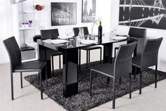 """הבית קטן ואין מקום לפינת אוכל? אז מה נעשה כשיש אורחים רעבים?   שולחן מודולרי נפתח - זה מה שאתם צריכים!   שידת דקורטיבית בעלת קווים ישרים ונקיים בעלת הרחבה מרכזית של 5 הגדלות , כך שבמצב מקסימאלי תהפך לשולחן באורך עד 300 ס''מ שניתן להושיב סביבו 12 סועדים.   צבעים לבחירה: שחור או לבן   מידות   45-300*90, גובה 75 ס""""מ."""