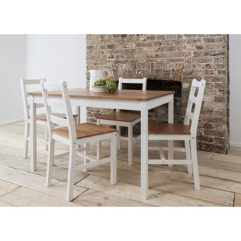 """פינת אוכל מעץ מלא הכוללת שולחן עם 4 כיסאות.  שולחן אוכל בעיצוב קלאסי.  השולחן והכסאות עשויים מעץ מלא  הכסאות גבוהים ומרווחים, קלים להזזה.  צבע  לבן עם דבש.  מידות  : שולחן: 108 על 65 ס""""מ, גובה 73 ס""""מ  כסא: גובה 85 ס""""מ, גובה מושב 41 ס""""מ, עומק 41.5 ס""""מ, רוחב 41.5 ס""""מ  מגיע מפורק."""