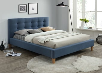 """מיטה מרופדת במידה 140/190   ניתן לשנות מידה בתוספת 250 ש""""ח לכל 10 ס""""מ   קיימת במגוון צבעים   המיטה עשויה עץ מלא וסנדוויץ ובריפוד דמוי עור גולף"""