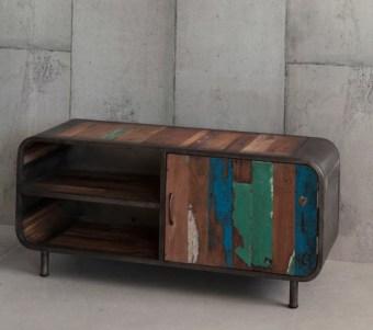 """שידת טלוויזיה מעץ ממוחזר בסגנון שנות ה-60 רוחב: 40 ס""""מ אורך: 120 ס""""מ גובה: 55 ס""""מ"""