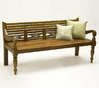 """ספסל עץ טיק קלאסי רוחב: 90 ס""""מ אורך: 180 ס""""מ גובה: 55 ס""""מ"""