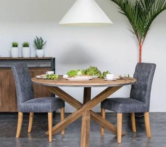 """שולחן אוכל עגול עם רגליים בעיצוב ייחודי רוחב: 160 ס""""מ אורך: 160 ס""""מ"""