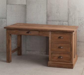 """שולחן עבודה מעץ מלא עם מגירות רוחב: 61 ס""""מ אורך: 137 ס""""מ גובה: 75 ס""""מ"""