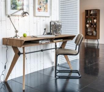 """שולחן עבודה מעוצב מעץ מלא קיים גם באורך 140 ס""""מ – מחיר מבצע: 3120 ש""""ח במקום 3900 ש""""ח. רוחב: 60 ס""""מ אורך: 120 ס""""מ גובה: 78 ס""""מ"""