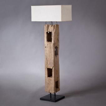 """מנורה עם מעמד מקורת כלובי באפלו אותנטיים רוחב: 0 ס""""מ אורך: 0 ס""""מ גובה: 0 ס""""מ"""