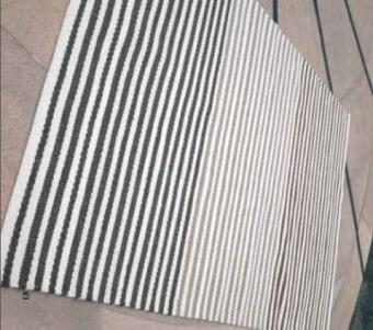 """שטיח בעבודת יד עשוי מצמר רוחב: 160 ס""""מ אורך: 230 ס""""מ"""