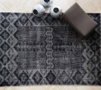 """שטיח צמר עשוי בעבודת יד רוחב: 160 ס""""מ אורך: 230 ס""""מ"""