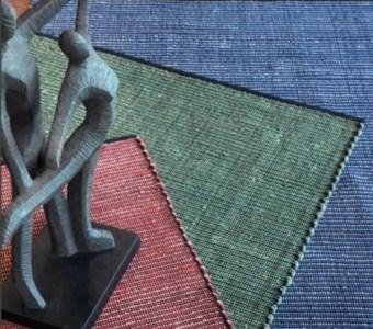 """שטיח כותנה עשוי חומרים טבעיים בעבודת יד רוחב: 160 ס""""מ אורך: 230 ס""""מ"""