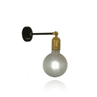 """ניתן להשלים עיצוב עם גופי תאורה מסידרת סייפן  *מחיר גוף התאורה אינו כולל נורות  סוג נורה:  נורת הברגה E27, מומלץ להשתמש בנורות חסכוניות  מידות גוף התאורה:  קוטר בסיס: 10 ס""""מ  אורך זרוע: 15 ס""""מ"""