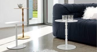 סדרת שולחנות צד אלגנטיים Harry Fortuny Vanity  פריט אקלקטי בעל אופי חזק ודומיננטי, המצאים גם לסלון וגם לחדר השינה