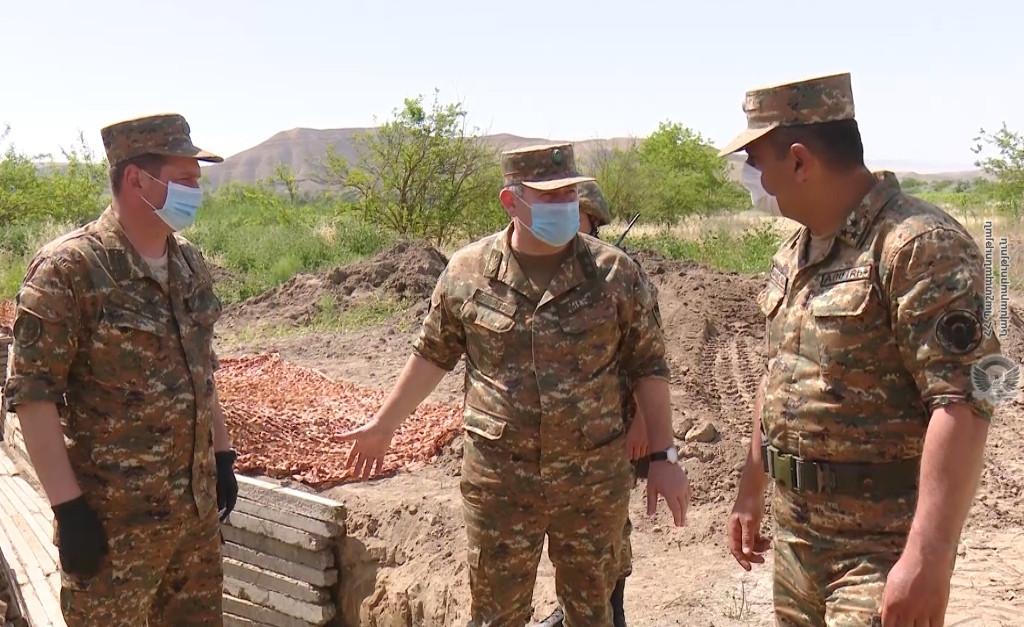 ՀՀ ԶՈՒ Գլխավոր Շտաբի պետի աշխատանքային այցը Պաշտպանության Բանակ․ ՖՈՏՈՇԱՐՔ